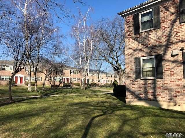 150-37 70th Road 26B, Kew Garden Hills, NY 11367 (MLS #3278580) :: McAteer & Will Estates | Keller Williams Real Estate