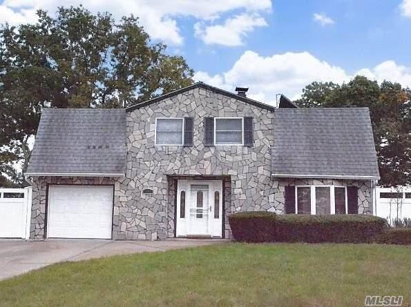 43 College Hills Drive, Farmingville, NY 11738 (MLS #3279310) :: Howard Hanna Rand Realty