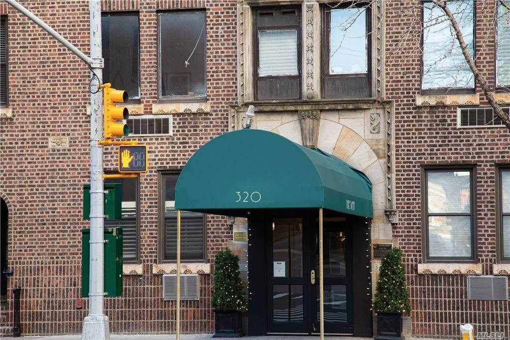 320 57 Street - Photo 1