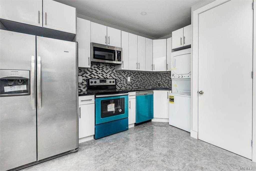 551 Knickerbocker Avenue - Photo 1