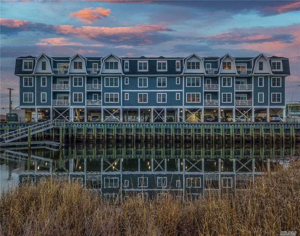 228 Marina Pointe Drive - Photo 1