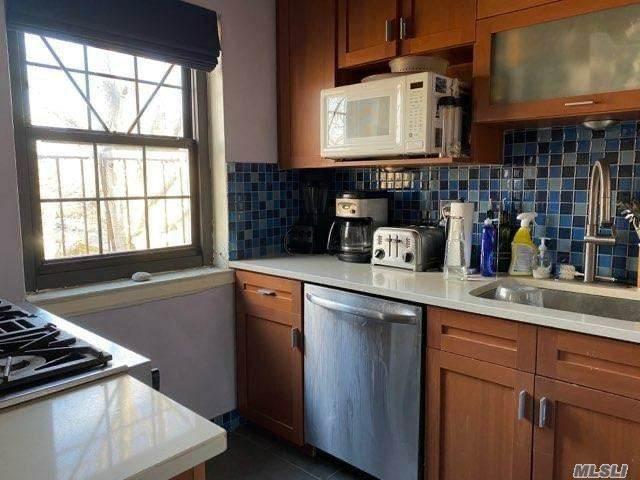77-42 Main Street 3A, Flushing, NY 11367 (MLS #3281428) :: Mark Boyland Real Estate Team