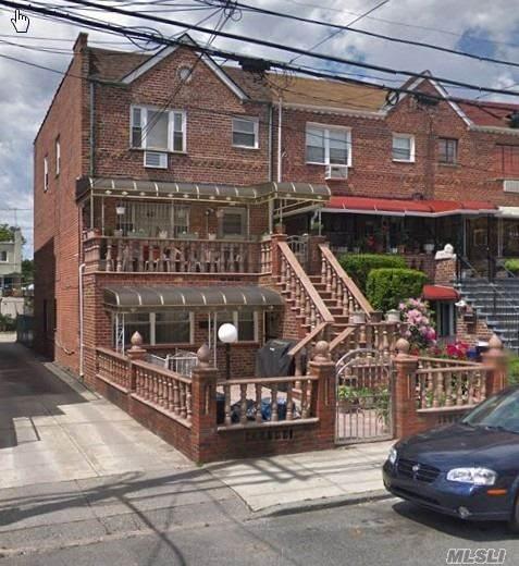 714 E 96th St, Brooklyn, NY 11236 (MLS #3281570) :: Cronin & Company Real Estate