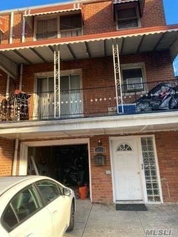 101-18 Martense Ave, Corona, NY 11368 (MLS #3281671) :: Cronin & Company Real Estate