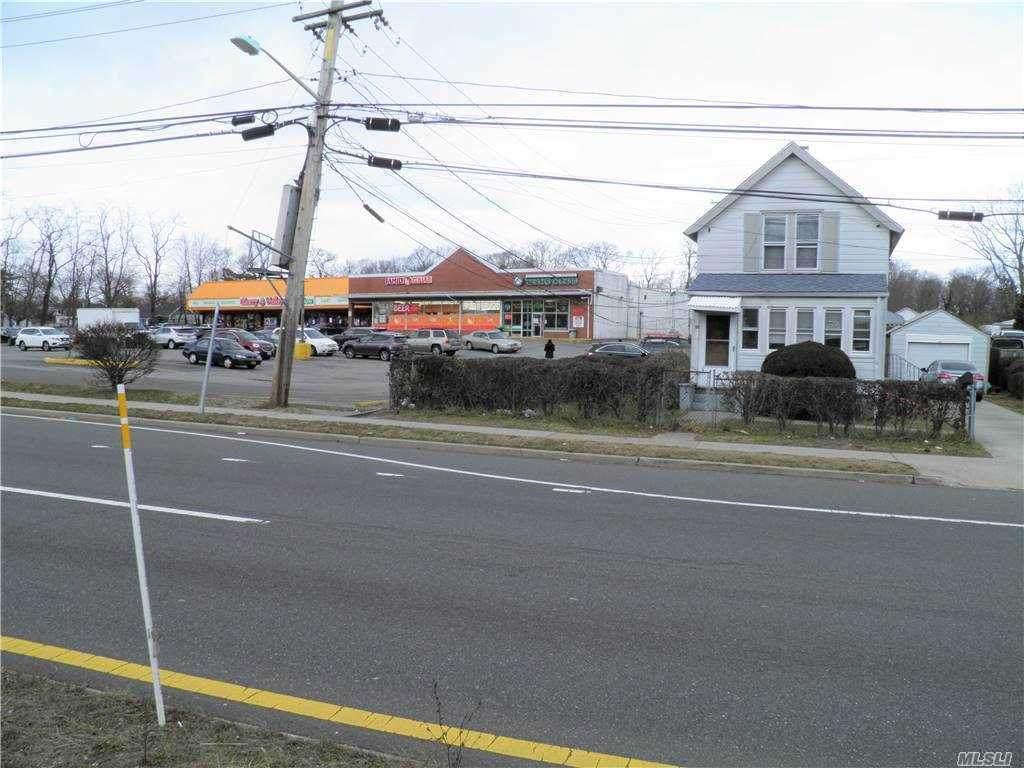 64 Suffolk Ave - Photo 1