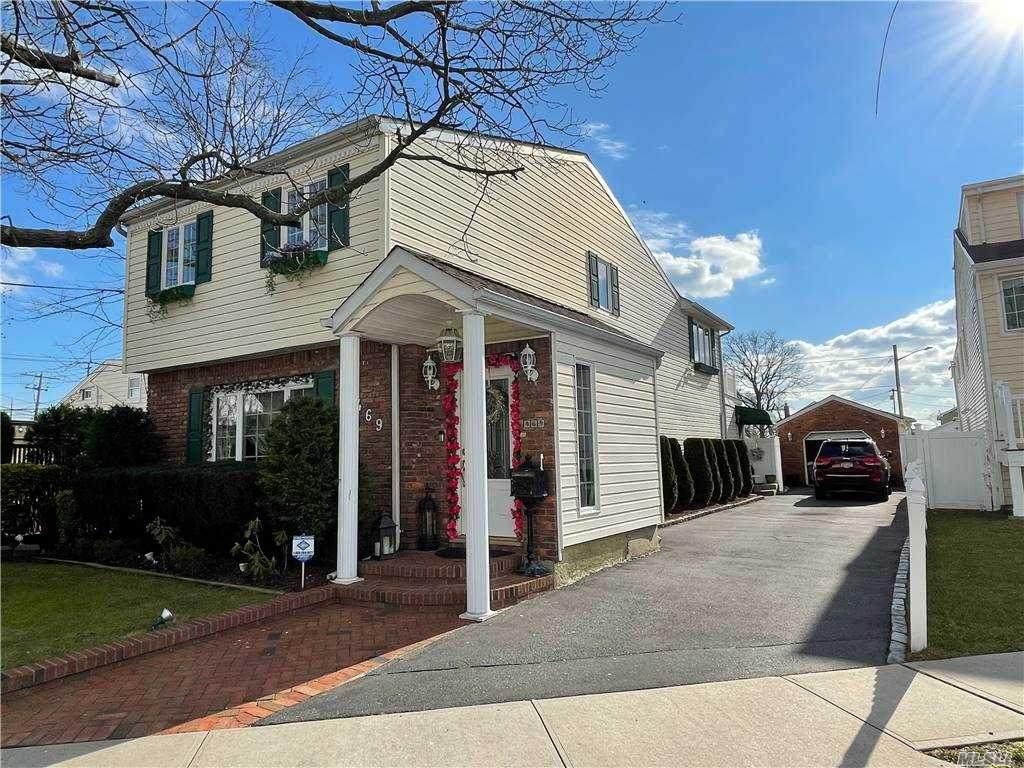 469 Albern Avenue - Photo 1
