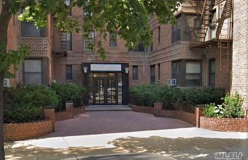 8419 51st Avenue 3J, Elmhurst, NY 11373 (MLS #3282804) :: Frank Schiavone with William Raveis Real Estate