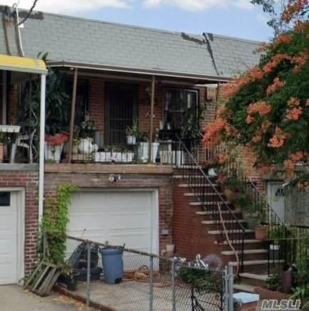 32-35 71st Street, E. Elmhurst, NY 11370 (MLS #3283038) :: The McGovern Caplicki Team