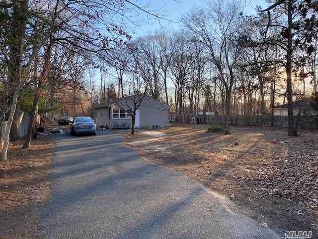 462 Auborn Ave, Shirley, NY 11967 (MLS #3283064) :: Nicole Burke, MBA | Charles Rutenberg Realty