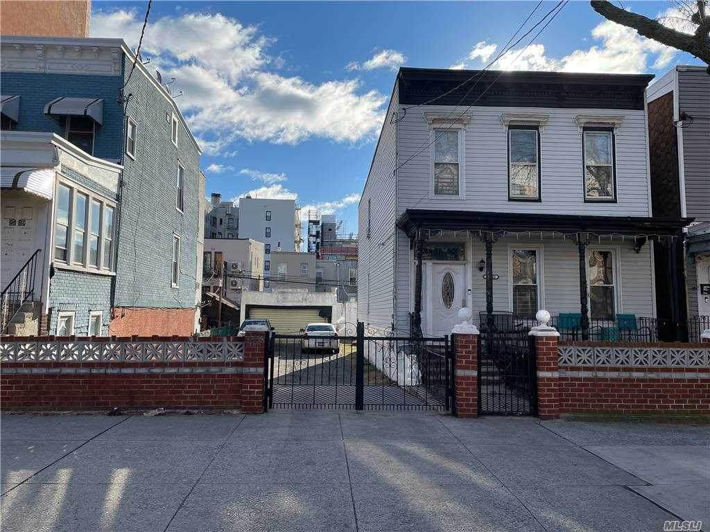 27-23 Crescent Street - Photo 1