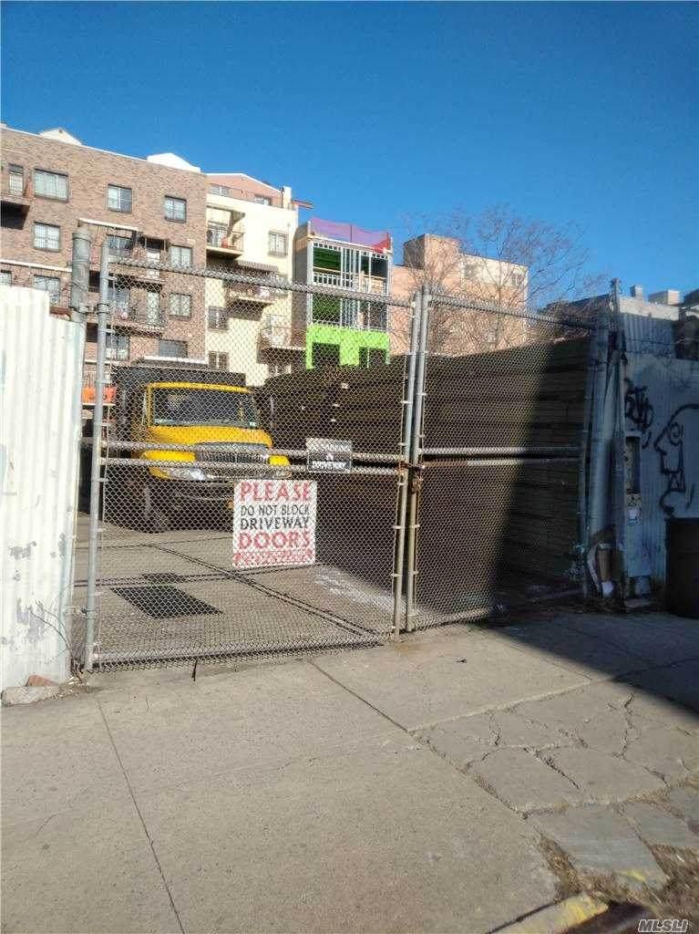 133 Franklin Ave Avenue - Photo 1