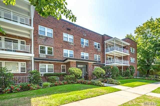 20 Hill Park Avenue 3H, Great Neck, NY 11021 (MLS #3284481) :: RE/MAX RoNIN