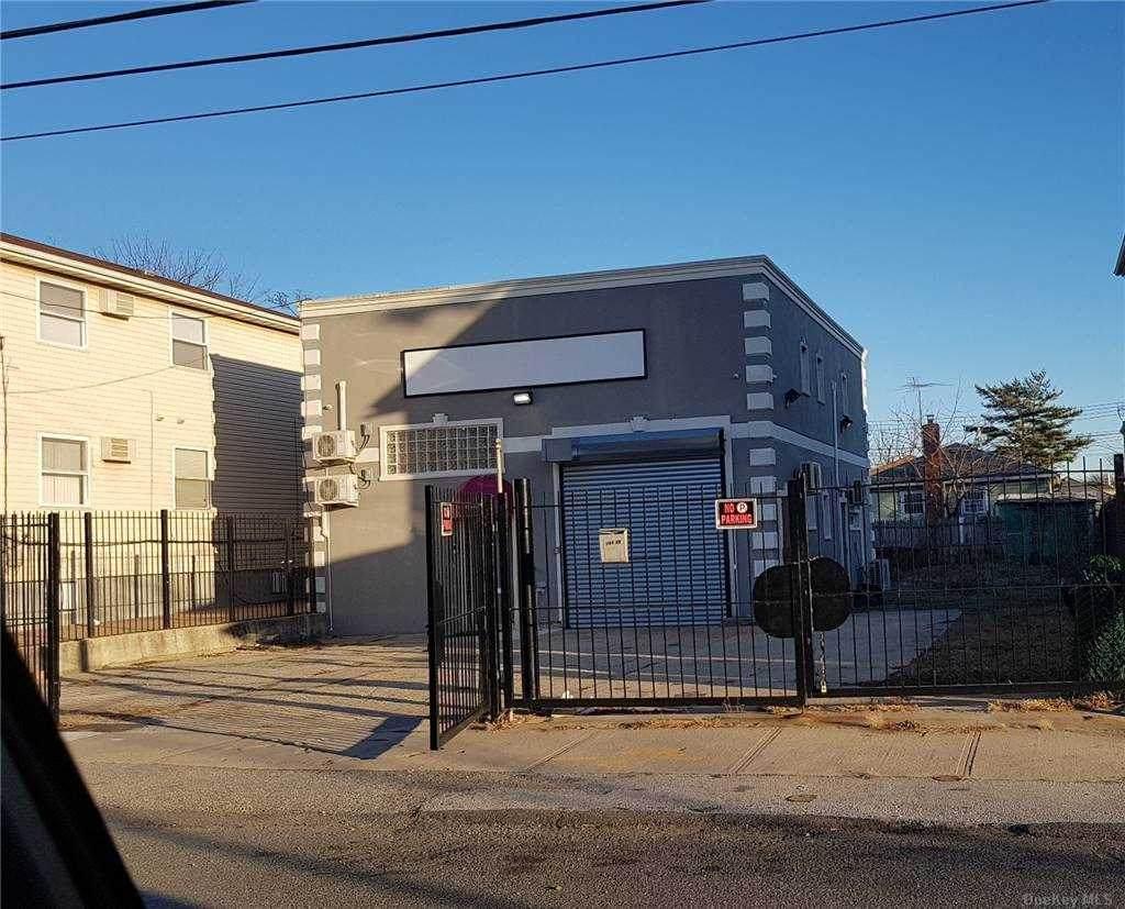 146-19 228th Street - Photo 1