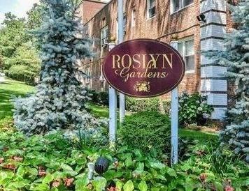 2 Edwards Street 3D, Roslyn Heights, NY 11577 (MLS #3285943) :: Carollo Real Estate