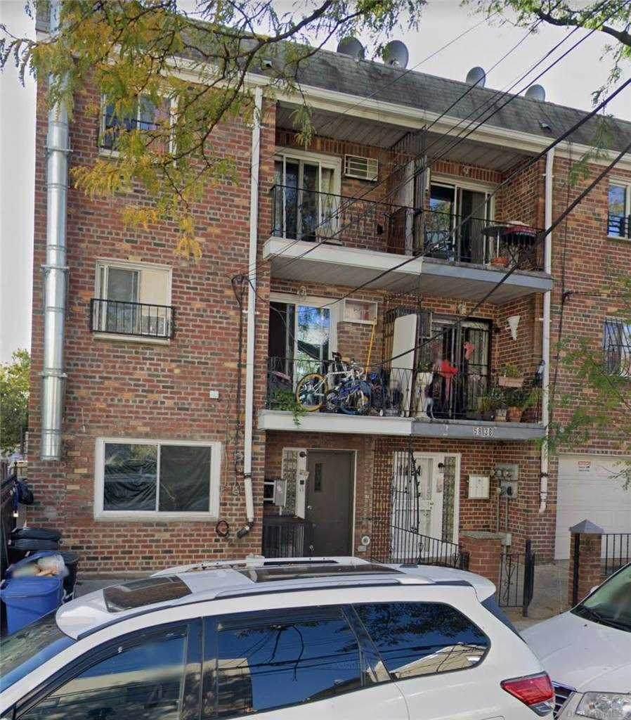 58-38 Van Cleef Street - Photo 1