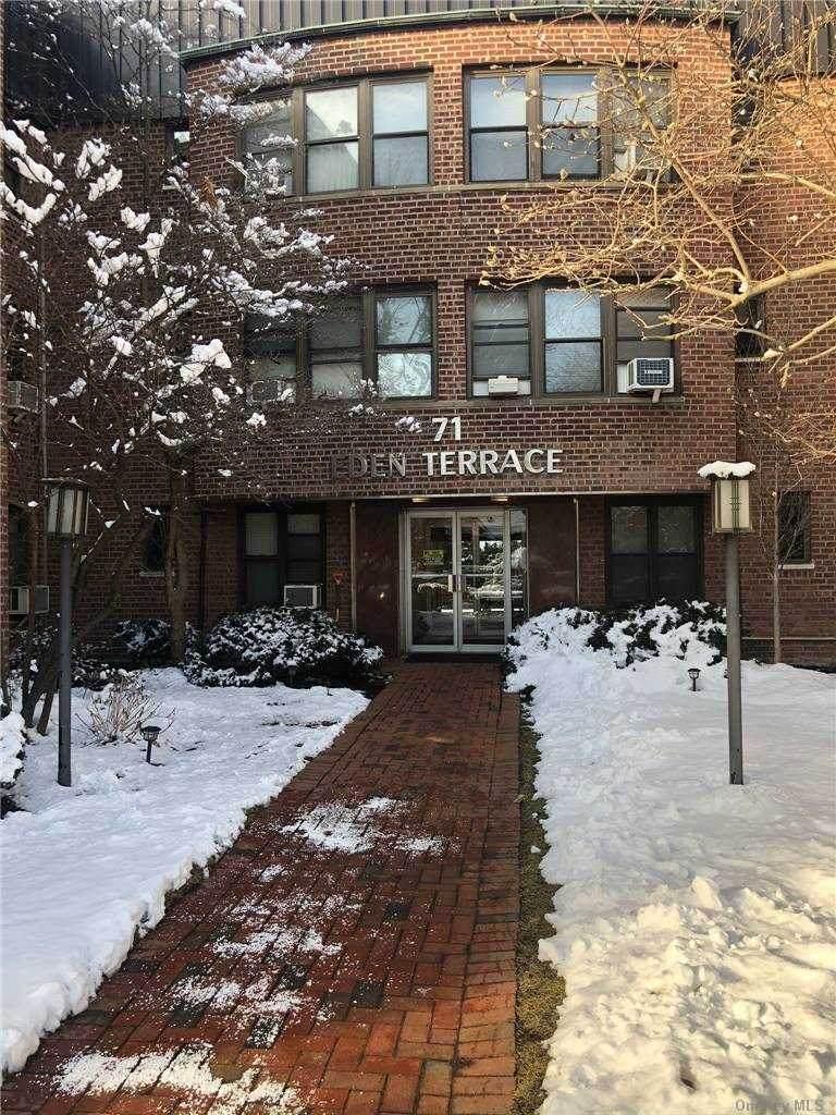 71 Grace Avenue - Photo 1
