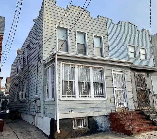 61-53 Borden Avenue, Maspeth, NY 11378 (MLS #3289824) :: Carollo Real Estate