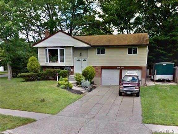 37 Sterling Lane, Smithtown, NY 11787 (MLS #3289835) :: Signature Premier Properties