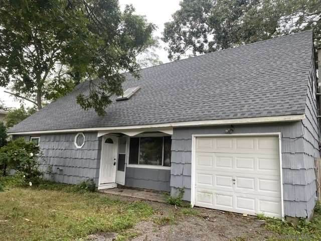 154 Woodland Drive, Mastic Beach, NY 11951 (MLS #3289859) :: Shalini Schetty Team