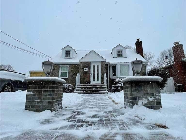 1773 Grant Avenue - Photo 1