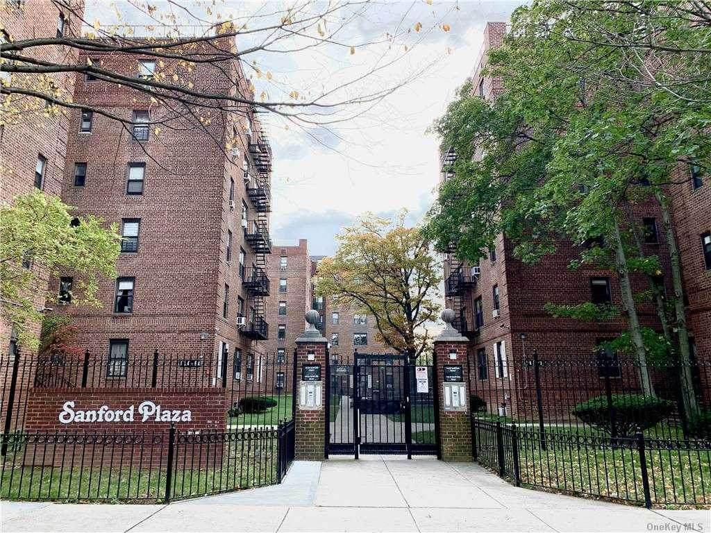 144-60 Sandford Avenue - Photo 1