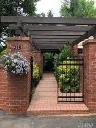 256 Estates Terrace S #256, Manhasset, NY 11030 (MLS #3292109) :: Carollo Real Estate