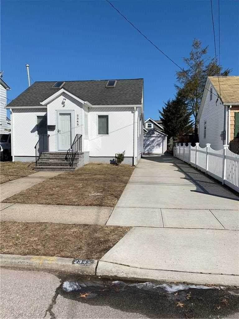 2343 Mitchell Place - Photo 1