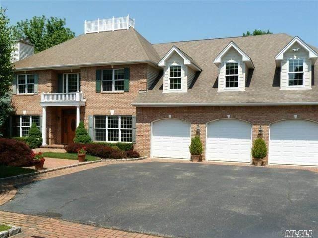 4 Meadow Pond Court, Huntington, NY 11743 (MLS #3292559) :: Signature Premier Properties