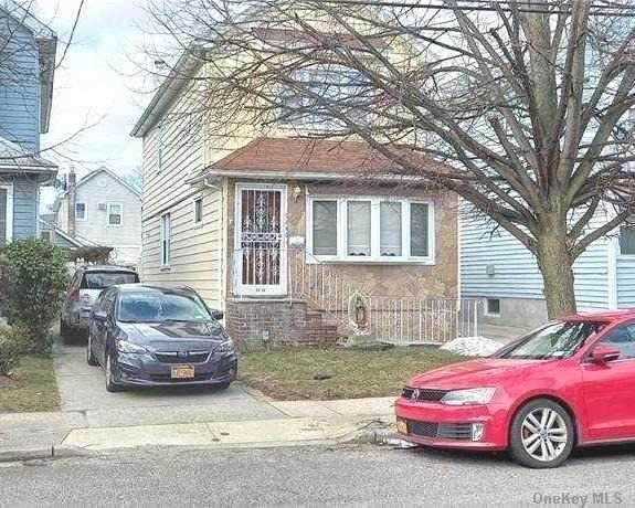 94-43 226 Street, Floral Park, NY 11001 (MLS #3292718) :: Signature Premier Properties