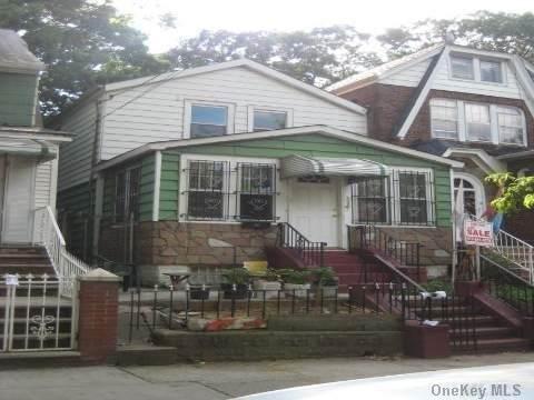 10910A Lefferts Boulevard, S. Ozone Park, NY 11420 (MLS #3292794) :: Signature Premier Properties