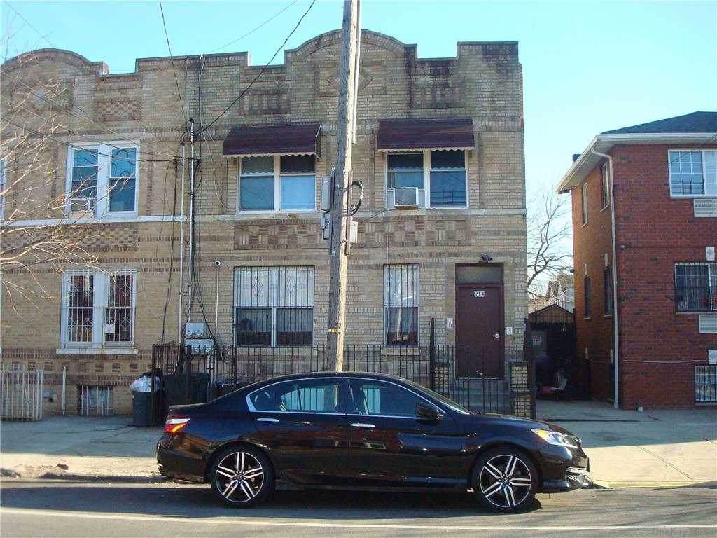 914 Dumont Avenue - Photo 1