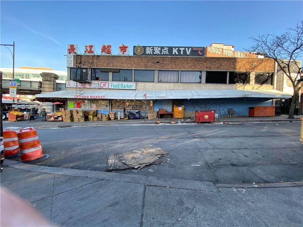 40-33 Main Street - Photo 1