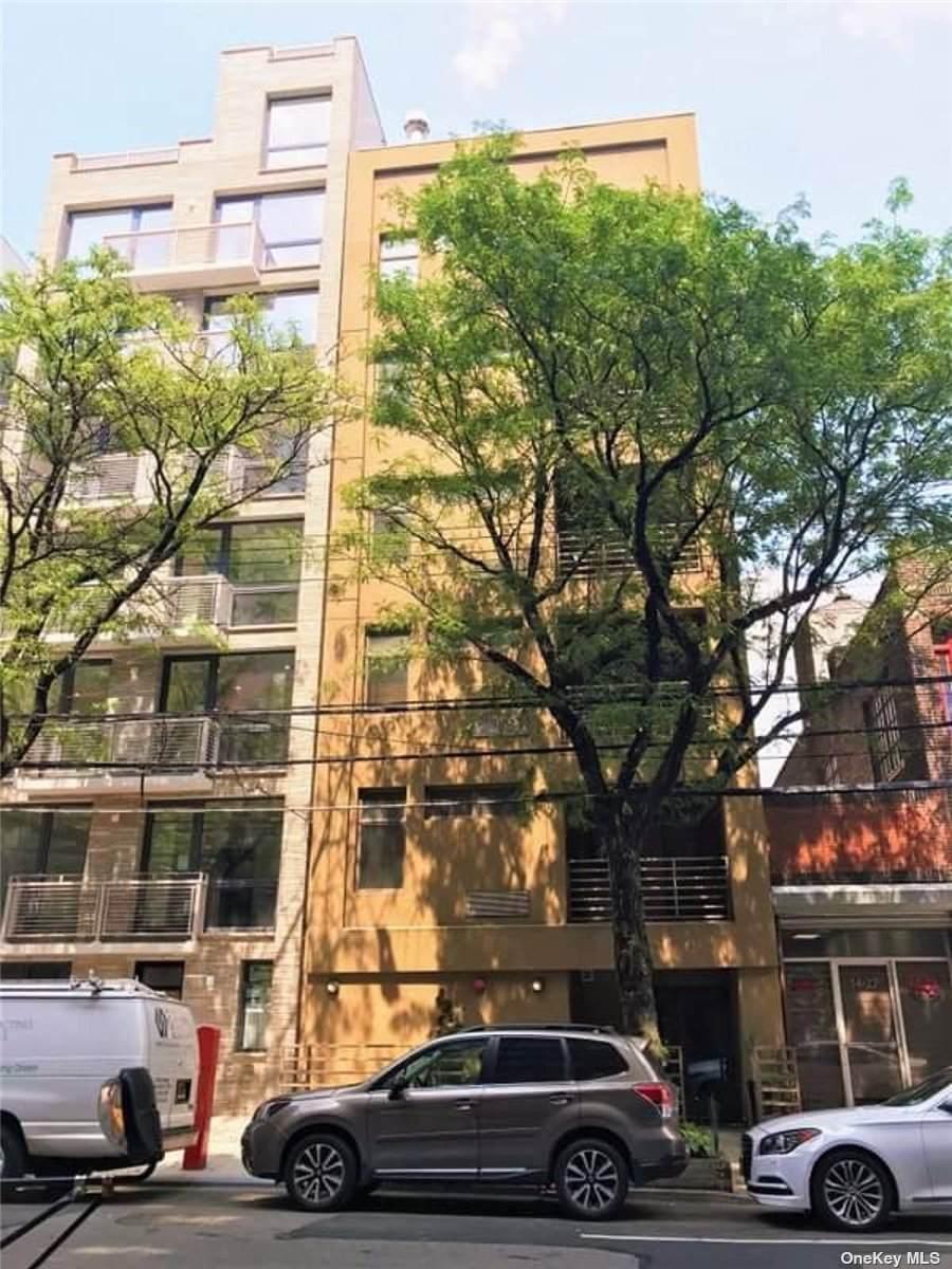 1425 Broadway - Photo 1