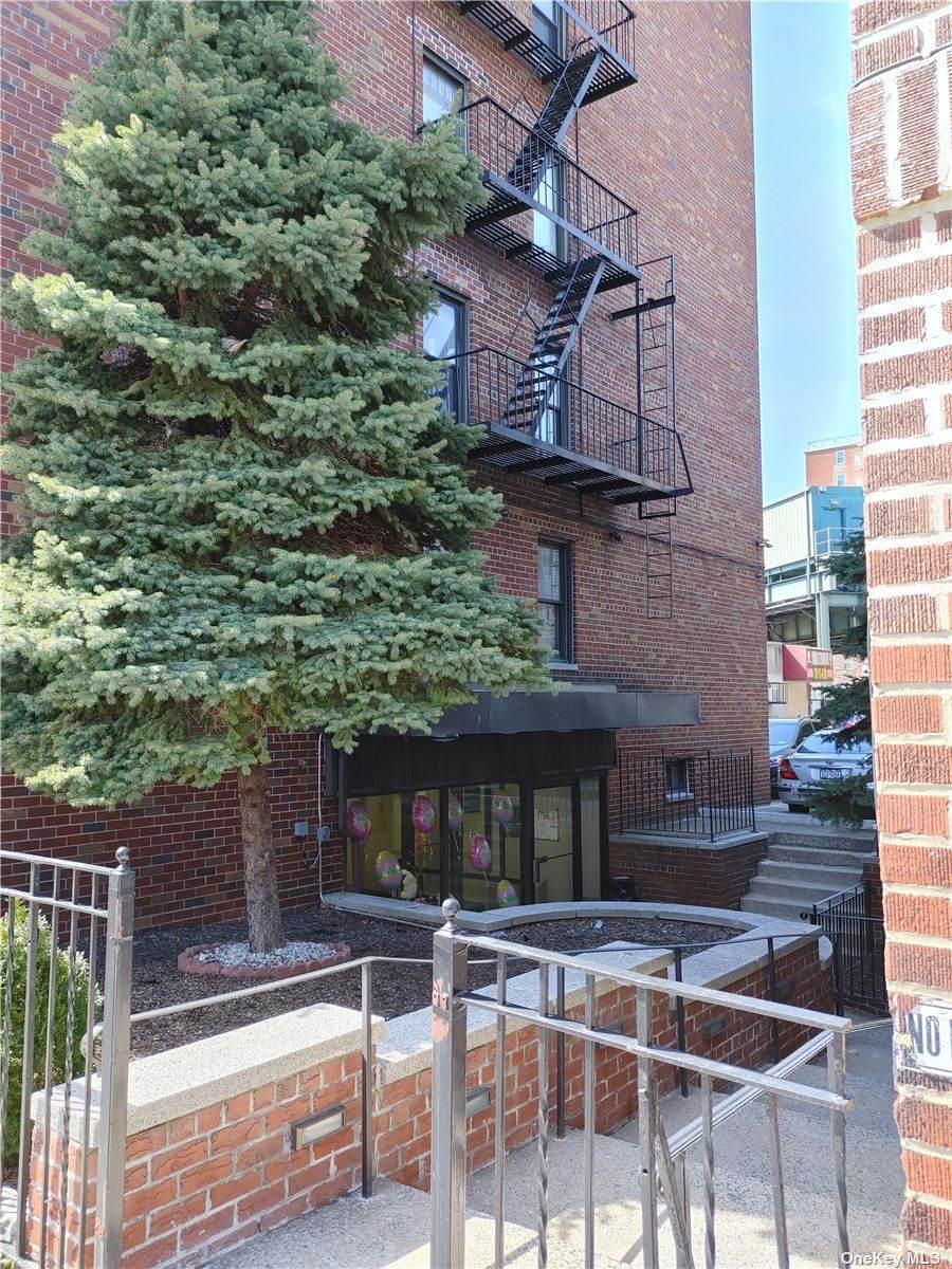 1725 Edison Avenue - Photo 1