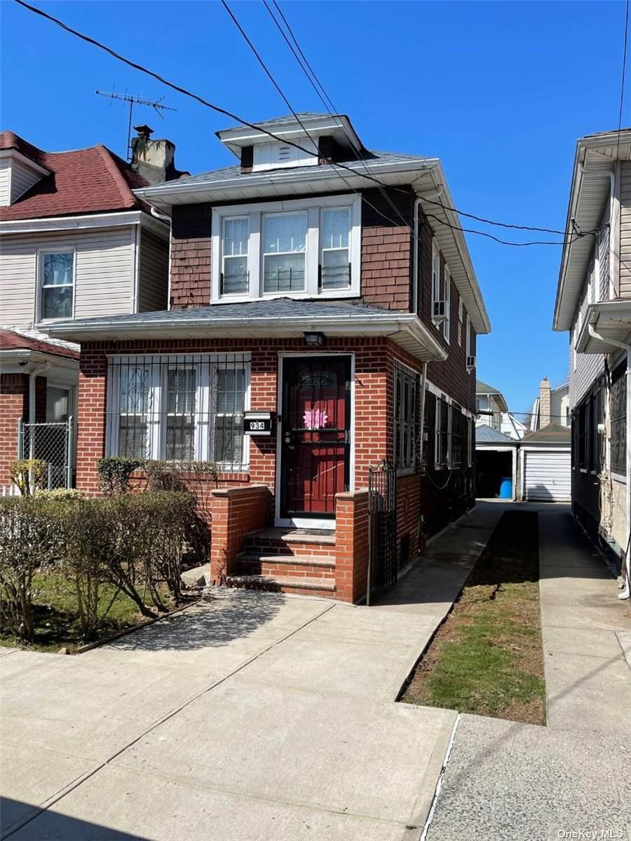 934 40 Street - Photo 1