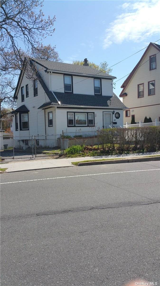 282 Lawrence Avenue - Photo 1