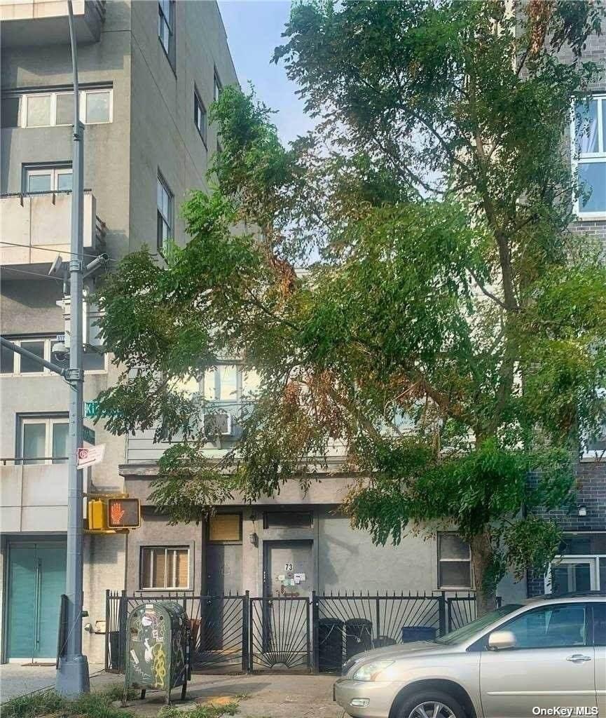 73 Kingsland Avenue - Photo 1