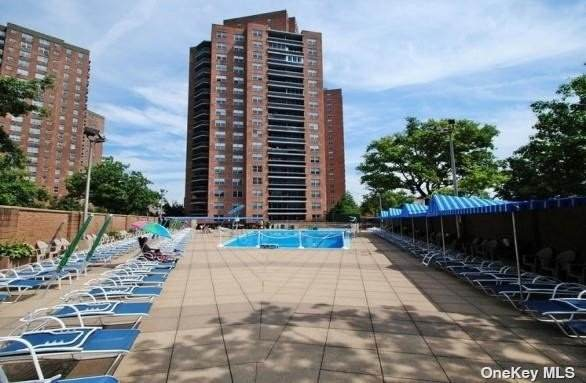 70-25 Yellowstone Boulevard 11Q, Forest Hills, NY 11375 (MLS #3301163) :: McAteer & Will Estates | Keller Williams Real Estate
