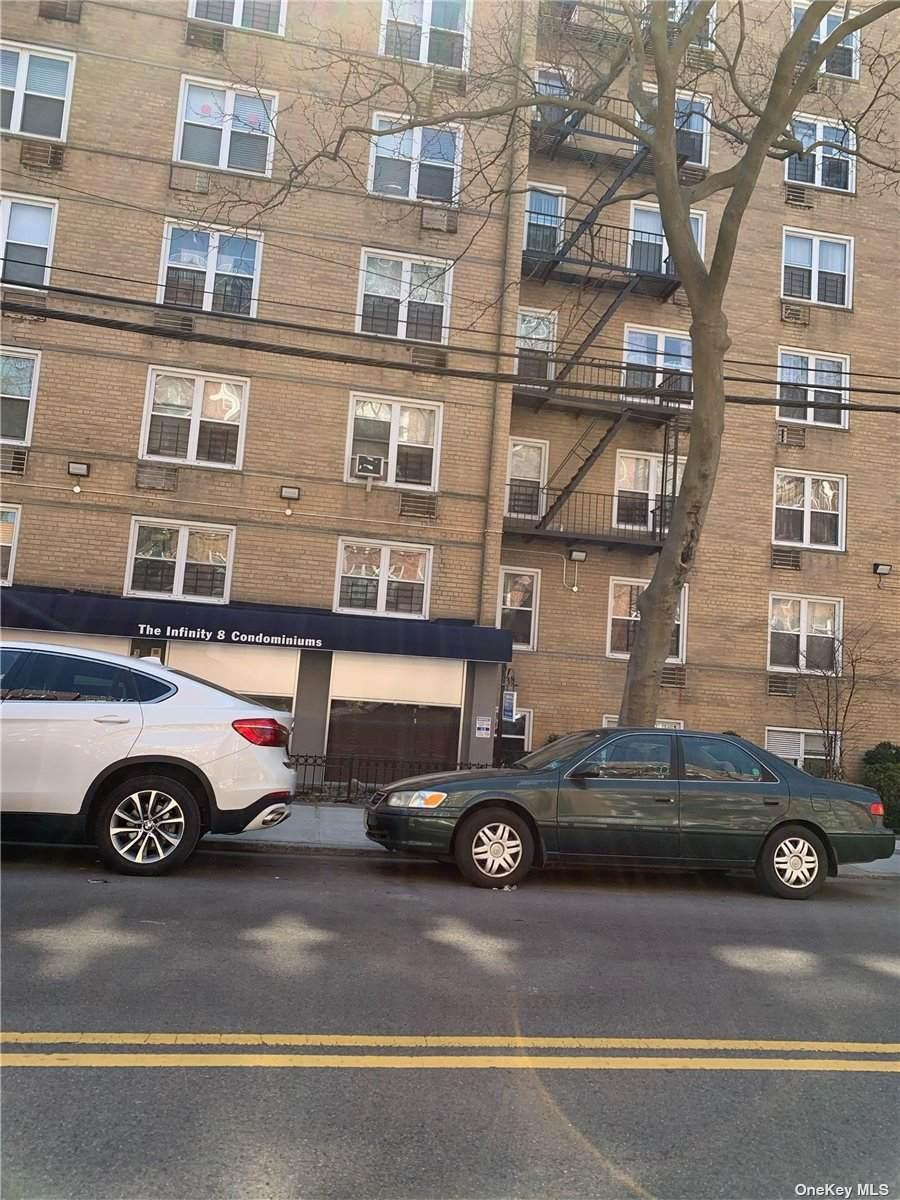 142-20 Franklin Avenue - Photo 1