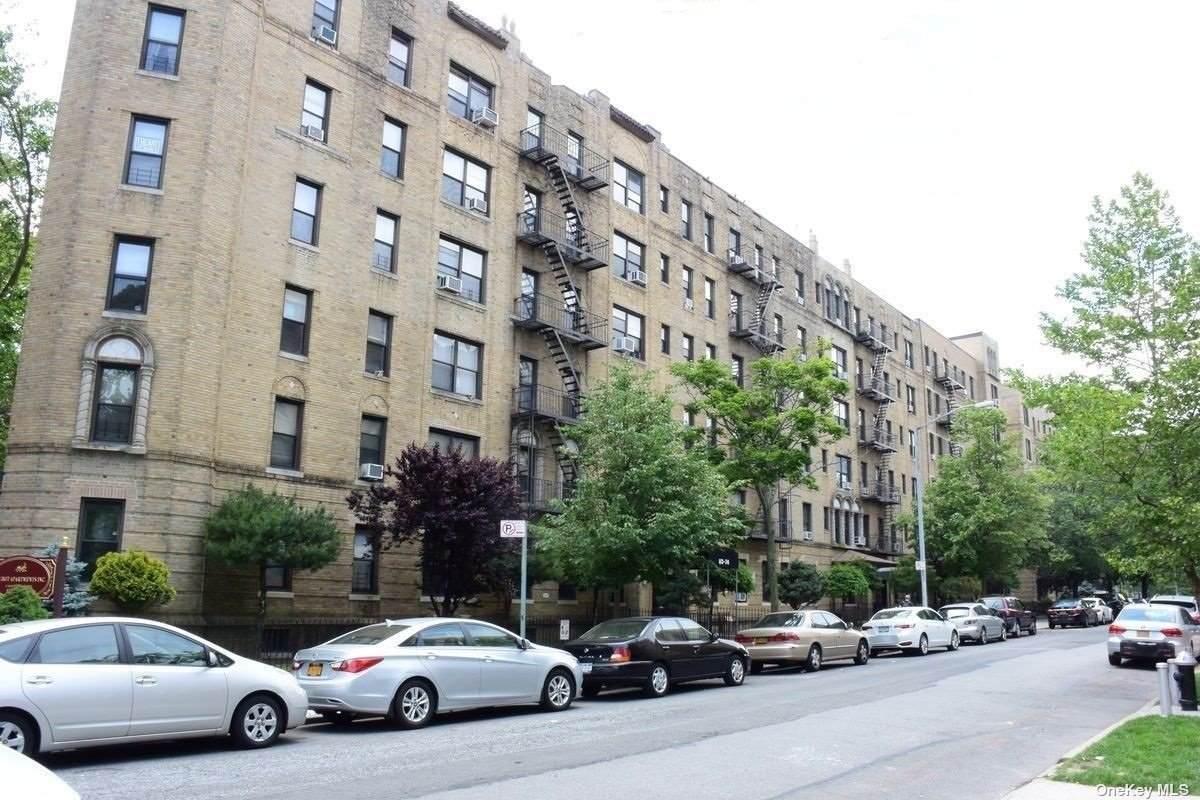 83-64 Talbot Street - Photo 1