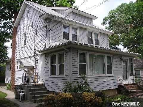 66 N Cottage Street, Valley Stream, NY 11580 (MLS #3302257) :: Carollo Real Estate