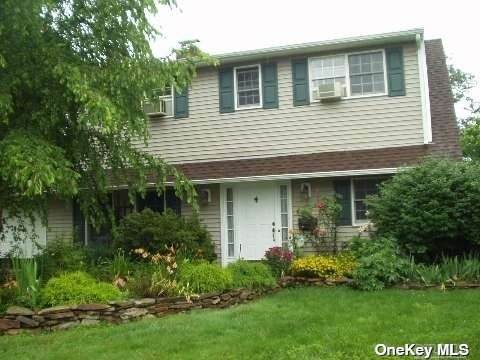 1 Brittle Lane, Hicksville, NY 11801 (MLS #3302295) :: Kendall Group Real Estate | Keller Williams