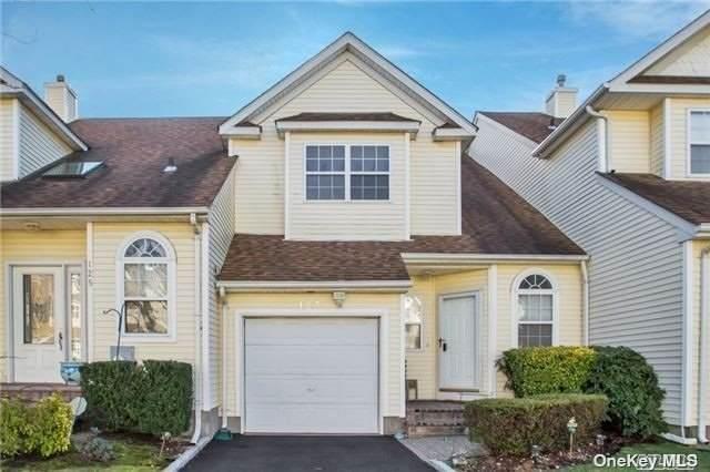 123 Cinnamon Court, Melville, NY 11747 (MLS #3302467) :: Signature Premier Properties