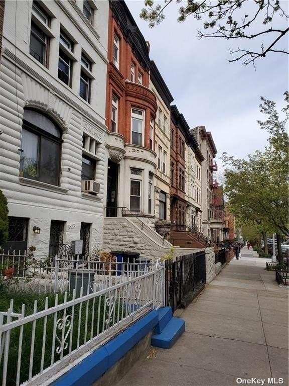 643 Saint Marks Avenue - Photo 1