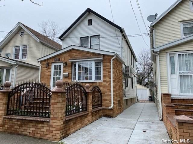 105-39 91 Street, Ozone Park, NY 11417 (MLS #3302702) :: Keller Williams Points North - Team Galligan