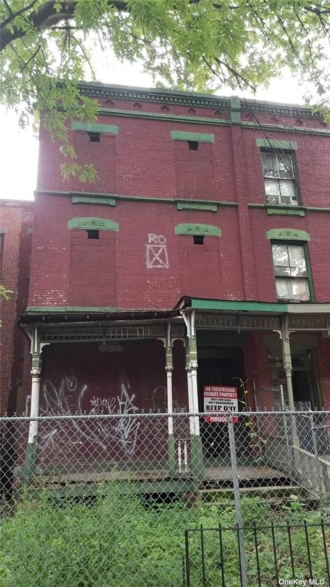 28 130th Street - Photo 1