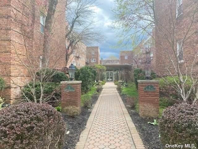 6 Wooleys Lane A25, Great Neck, NY 11023 (MLS #3304403) :: Nicole Burke, MBA   Charles Rutenberg Realty