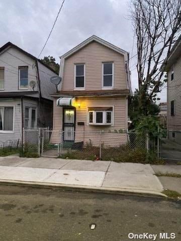 105-47 171st, Jamaica, NY 11433 (MLS #3304581) :: Frank Schiavone with William Raveis Real Estate