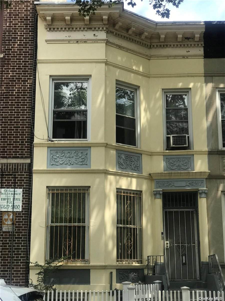 1075 Sterling - Photo 1