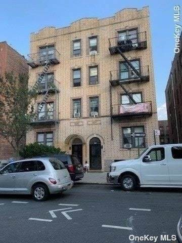 Corona, NY 11368 :: Signature Premier Properties